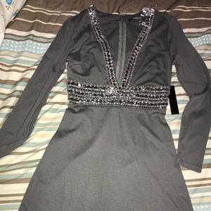 2ff2edc401b1 VENUS Dresses - Deep V trim cocktail dress